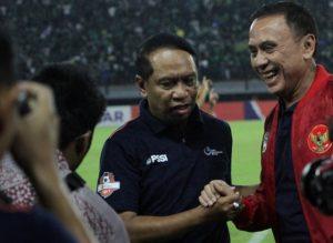 Menpora bersama Ketum PSSI dalam pembukaan Liga 1