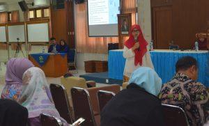 Narasumber sampaikan materi workshop