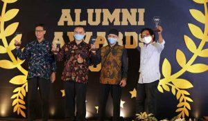 Penyerahan Alumni Awards UMY