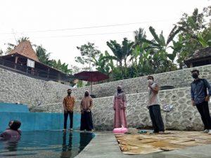 Tim UMBY di lokasi program