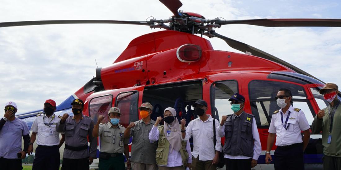 Pantau Merapi dengan helikopter