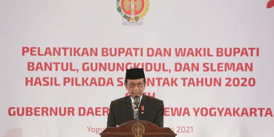 Gubernur DIY, Sri Sultan HB X melantik Bupati dan Wakil Bupati