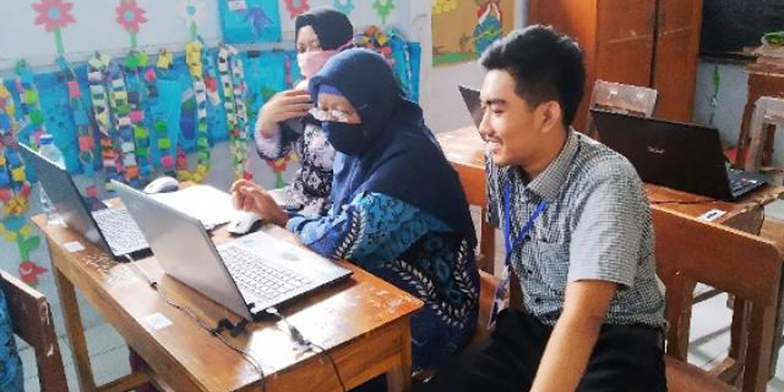 guru SDN Sidorejo tetap semangan mengikuti program Kampus Mengajar