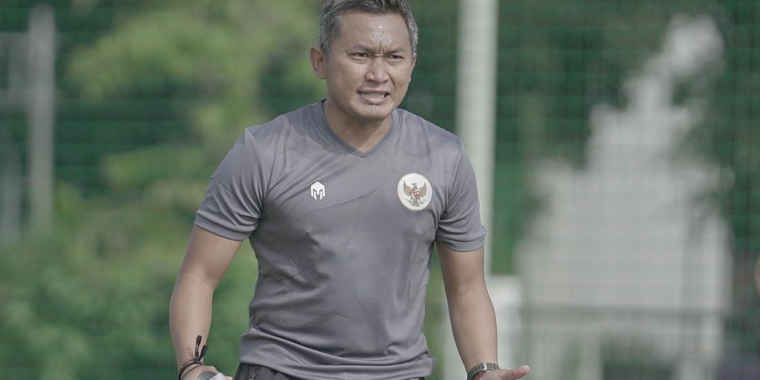 pelatih Timnas Wanita, Rudy Eka Priyambada.