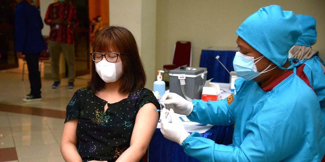 UNY Gelar Vaksinasi  'Vaksin Merdeka'