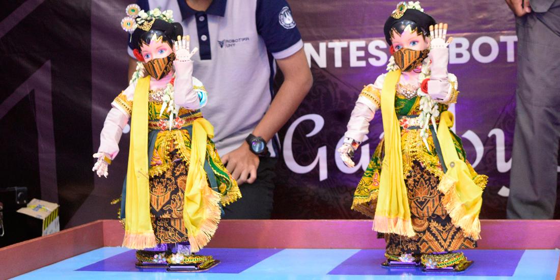 Rosemery UNY Juara Kontes Robot Seni Tari